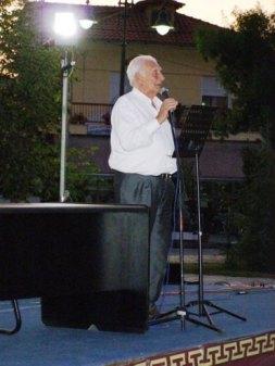 Άρης Πουλιανός: Καθηγητής Ανθρωπολογίας και Ερευνητής του Σπηλαίου Πετραλώνων