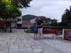 """Φώτης Ντούμος (Δολίχη), κατέλαβε την 1η θέση στην κατηγορία """"Παιδικό"""" με χρόνο 19:25,51, βράβευση από τον βουλευτή Λάρισας Γιώργο Κατσιαντώνη"""